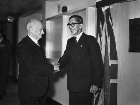 Sir Peter MacCallum with the Victorian Minister for Health, Ewen Paul Cameron MP, at the opening of the first Linear Accelerator. 1956.